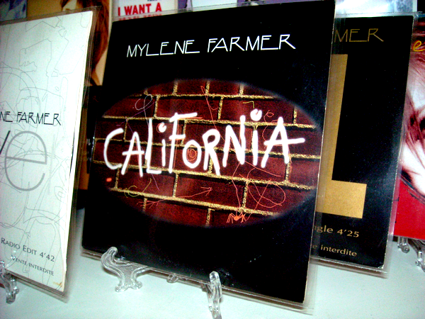 "CD Promo ""Déshabillez-moi (live)"" / California"