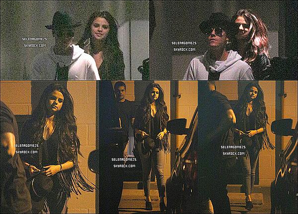 20.Juin.2014 : Jelena son allés au restaurant puis au cinéma, à Los Angeles