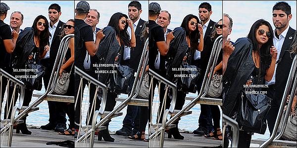 16.Juillet.2014 : Selena a été vue à Ischia en Italie