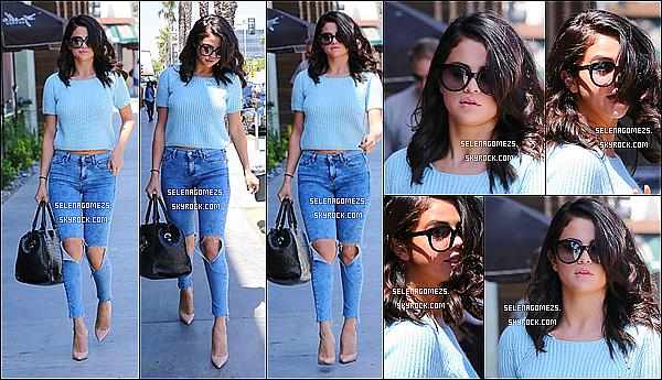 16.Juin.2014 : Selena est allée au centre commercial à Los Angeles