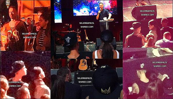 20.09.2014 : Jelena ont été vus une fois de plus ensembles, à l'église de Hillsong, à Los Angeles