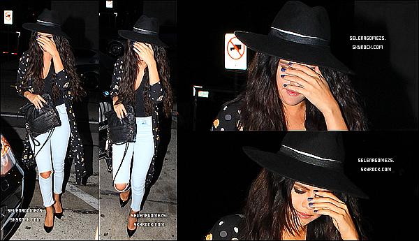24.Juin.2014 : Selena est allée au Craig's Restaurant a West Hollywood