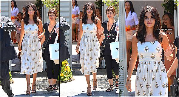 10.08.2014 : Selena se rendait à une fête privée dans le quartier de Brentwood, Los Angeles