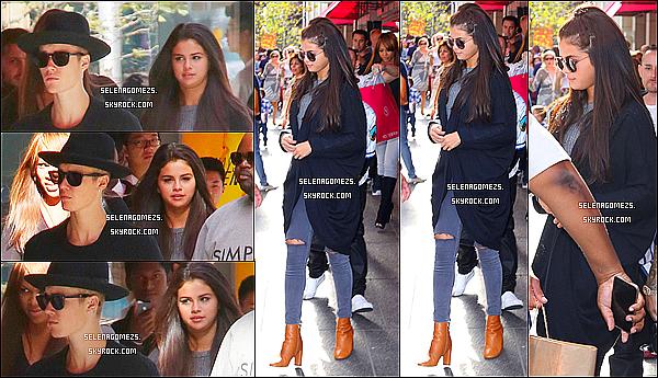 06.09.2014 : Jelena ont été aperçus alors qu'ils faisaient du shopping à Toronto, au Canada