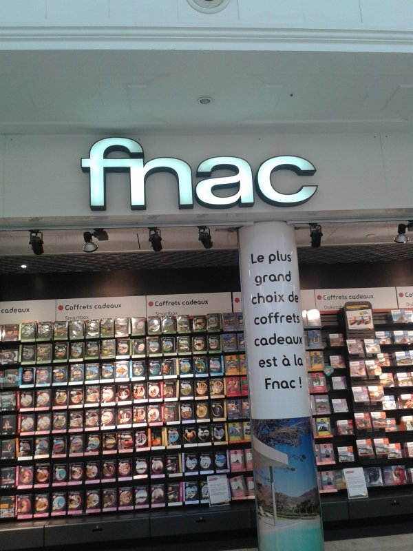 Fnac Val d'Europe le 25/07/13.