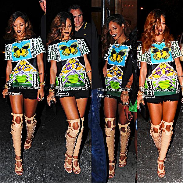 30/05/13 :  Rihanna a été aperçue a  New York avant , de donner son concert dans trois jours à Brooklyn.