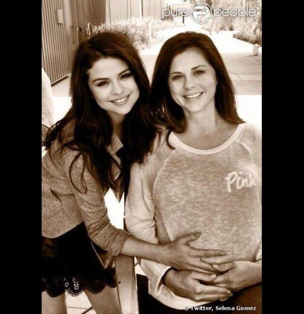 Selena Gomez : Toujours célibataire mais désormais grande soeur !