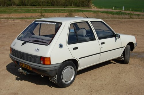 Auomobile  Peugeot 205 Gr De 1987