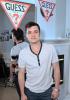 Vanessa Hudgens : Austin Butler, Josh Hutcherson à la soirée Guess !