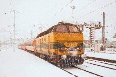La 6224 avec un L MONS-MAUBEUGE en 1997 .