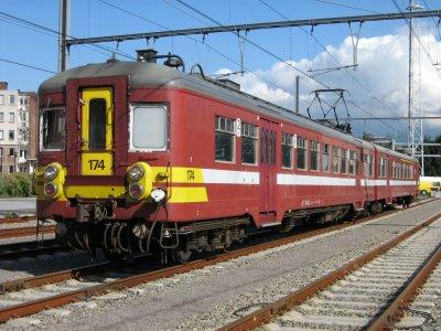 Automotrice double : AM62 , AM63 , AM65 série 151 à 270 (surnom : les jumelles , petit train rouge AM classique ).