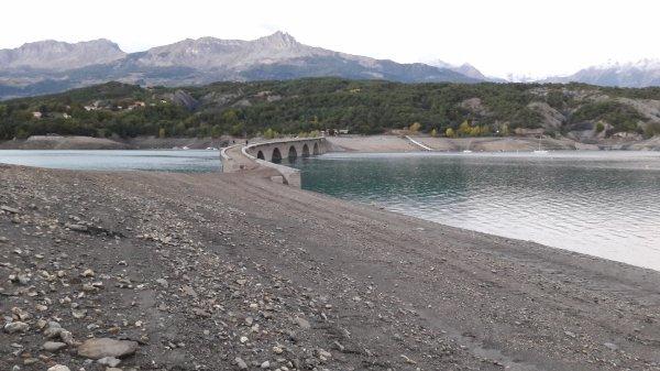 Curiosité de la Baie de Chanteloube du Lac de Savines dép 05