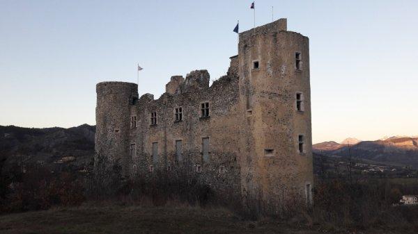 Ballade au château de Tallard dép 05