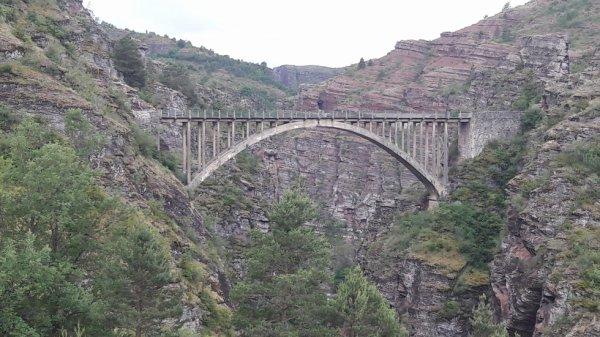 Ballade sur le pont de la mariée dép 06