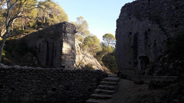 Ballade à l'ancien aqueduc d'Aix dép 13