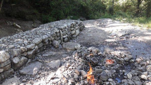 Balade à la fontaine ardente (Dép:38)
