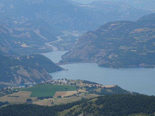 Vu sur le barrage de Savines depuis le Morgonnet (Dép:05)