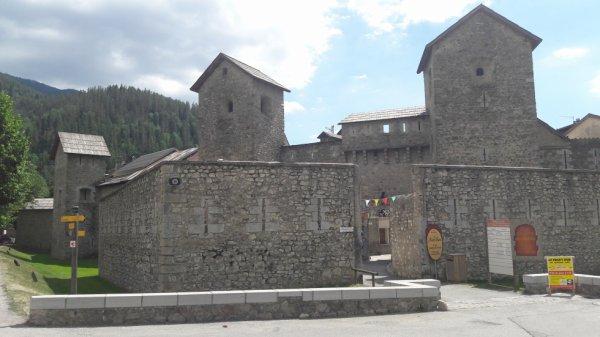 Visite de Colmars les Alpes  (Dép:04)