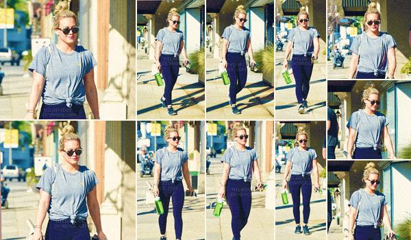 11/03/17 - Notre chanteuse Hilary a été vu en arrivant à son cours de gym déjà en tenue de sport dans Los Angeles