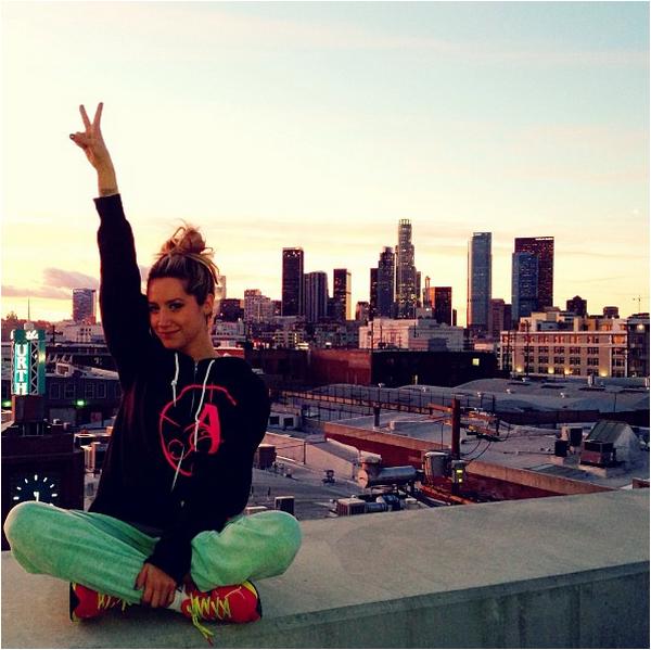 × Nouvelle photo de Vanessa à New-York postée sur son site officiel.