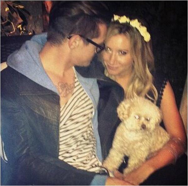 × Nouvelle photo d'Ashley, Christopher et Maui ♥