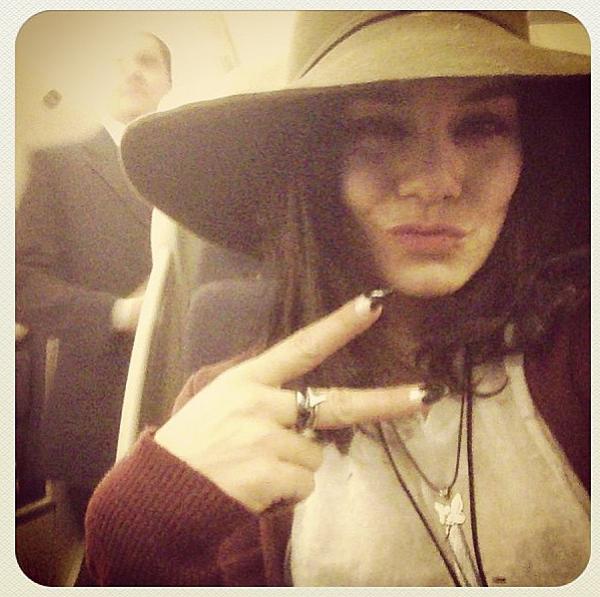 """× Photo postée par Vanessa il y a quelques heures : """"Paris j'arrive !"""""""