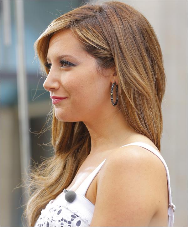 × Ashley change de couleur de cheveux !