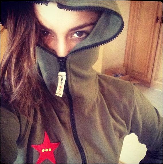 × Vanessa quitte son cours de pilates à Los Angeles ce dimanche 7 avril 2013.