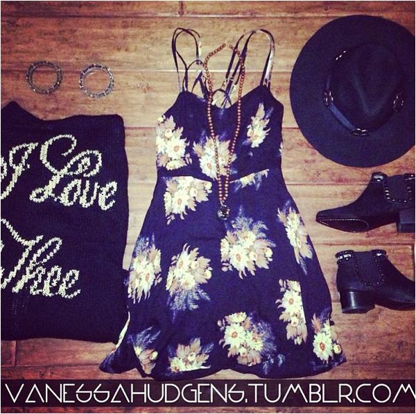 × Photos postées par Vanessa sur Instagram ces derniers jours :-)