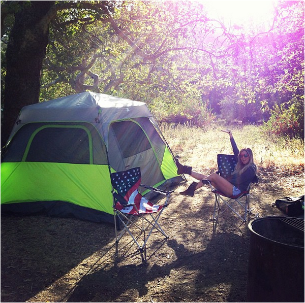 × Ashley au camping ce 30 mai 2013 (photo postée sur Instagram)