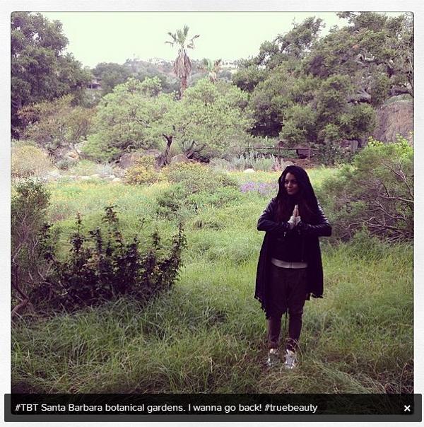 × Vanessa qui prend la pose dans les jardins botaniques de Santa Barbara ce 6 juin 2013