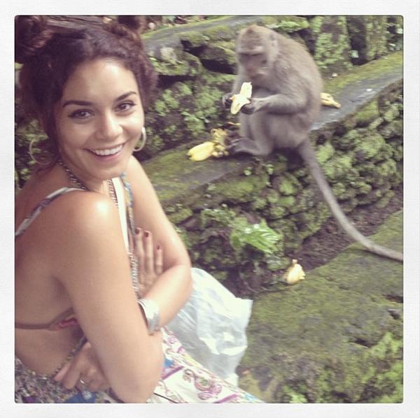 × Vanessa est de retour de Bali avec des souvenirs plein la tête et des photos partout sur son Tumblr !