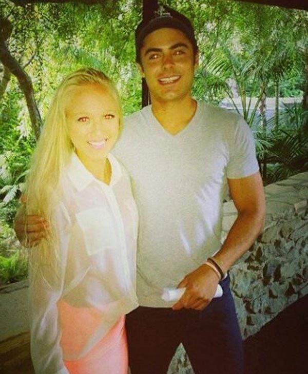 × Zac posant avec une fan à Los Angeles ce 9 juillet :-)