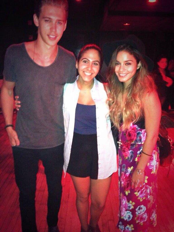 Vanessa et Austin ont pris la pose avec des fans à l'église à New-York ce dimanche 1er septembre