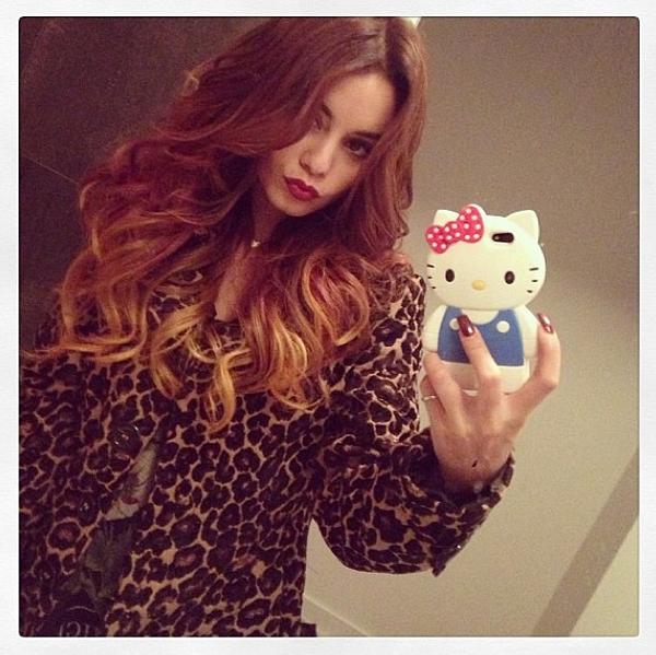 × Vanessa nous présente sa nouvelle couleur de cheveux sur Tumblr !