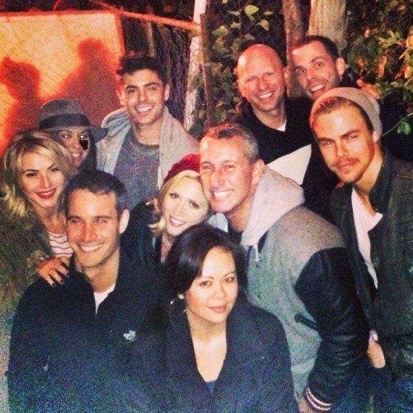 Zac, Brittany Snow, Derek Hough, Adam Shankman et bien d'autres amis réunis hier soir ! :)