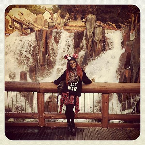Vanessa à Disneyland (Californie) le 23 octobre 2013
