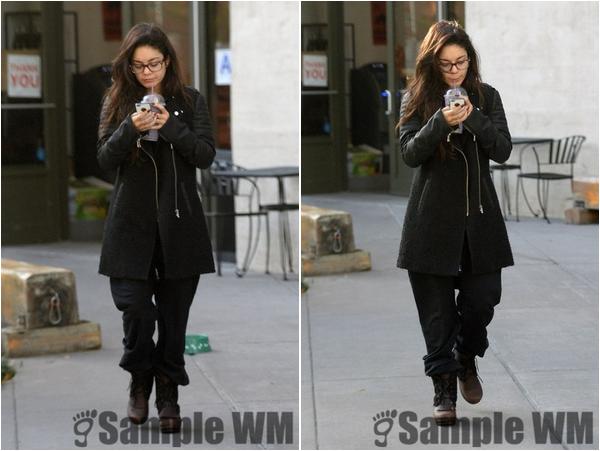 × Vanessa dans les rues de New-York le 7 novembre 2013 :-)