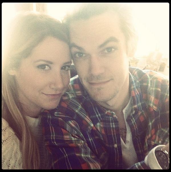 Happy Thanksgiving d'Ashley avec Chris French depuis la Floride où ils séjournent actuellement :)
