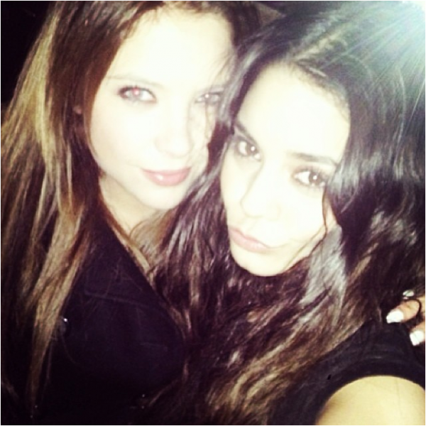 Nouvelle photo d'Ashley Benson et de Vanessa :)