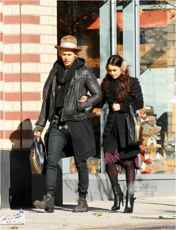 Vanessa et Austin en balade dans les rues de NY ce 1er décembre :-)