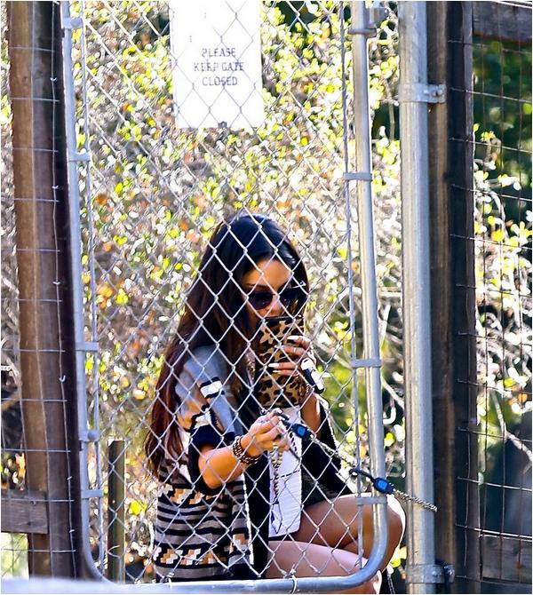 × Vanessa sortant d'une résidence privée ce 27 décembre 2013 à Santa Monica
