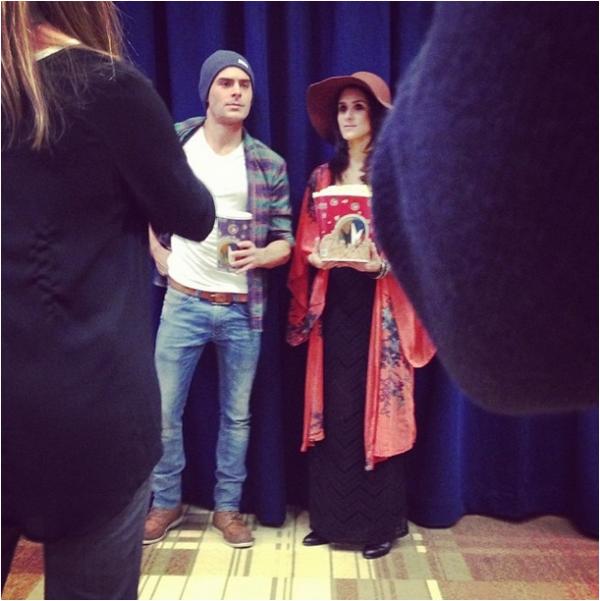 Photo behind-the-scene de Zac et Brittany Furlan en tournage d'une vidéo promo de That Awkward moment en décembre dernier !