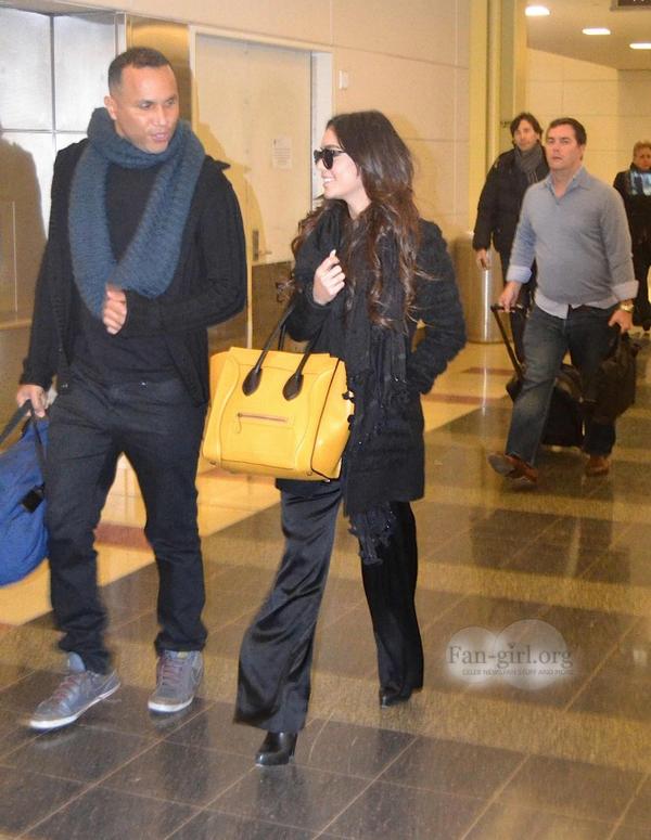 Vanessa à l'aéroport Ronald Reagan de Washington le 7 janvier 2014