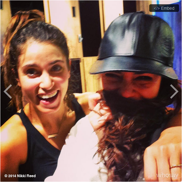 """Photo postée ce 12 janvier par Nikki Reed sur WhoSay : """"j'ai rencontré cette fille au yoga aujourd'hui. Le monde est petit @VanessaHudgens"""""""