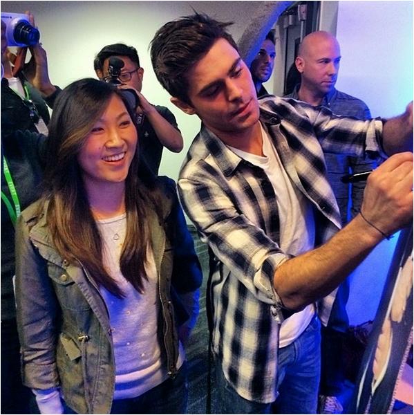Zac et ses co-stars de That Awkward Moment dans les locaux de Facebook hier en Californie pour un Q/A sur le film !