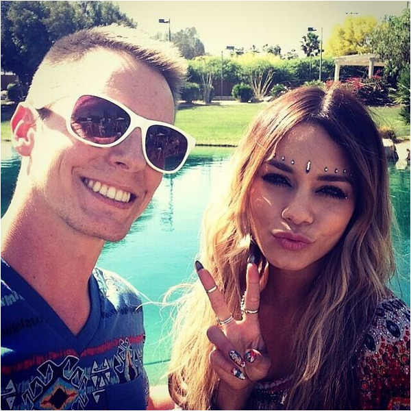 "Vanessa au Coachella : les photos ""officielles"""