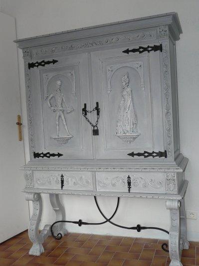 Meuble renaissance espagnol blog de latelierdesylvie for Bureau meuble en espagnol