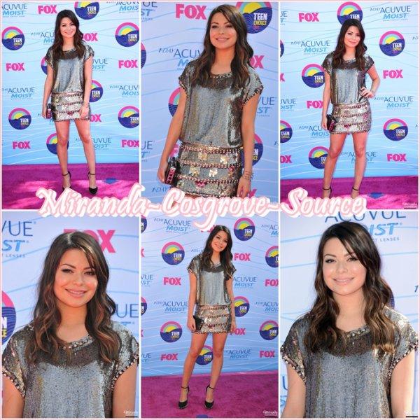 22/07/12 Miranda était présente au teen choice awards.