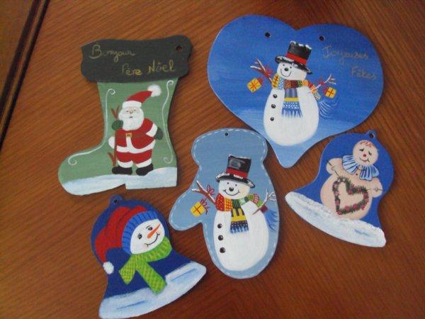Voici quelques décos de Noel ( je ne vais pas vous les mettre toutes car ça vite devenir pénible)
